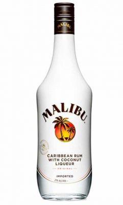 Una bottiglia di LIQUORE MALIBU' 100CL.